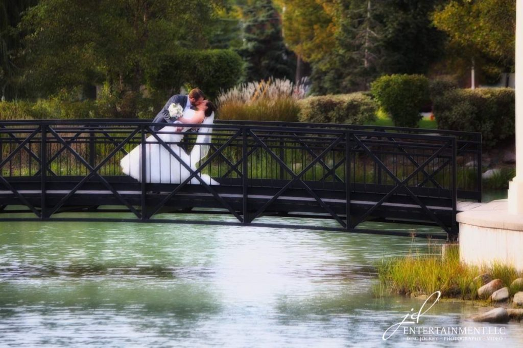 JDEntertainment-WeddingPhotography-Bride&Groom35